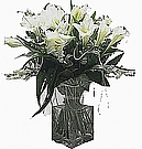 WHITE ARRANGEMENT INCLUDE VASE